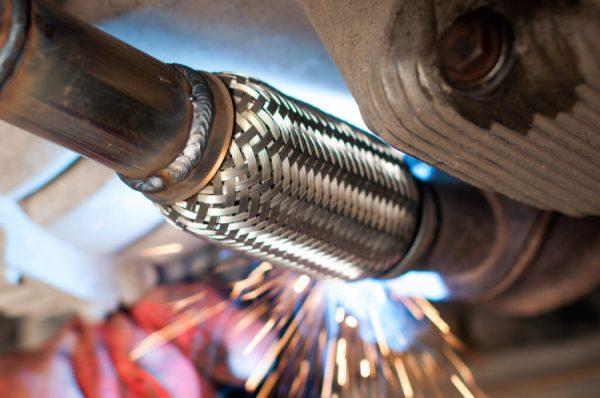 Особенности ремонта глушителя автомобиля